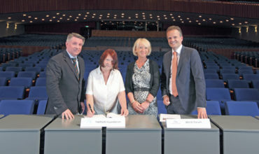 THIMUN and World Forum sign five-year contract extension