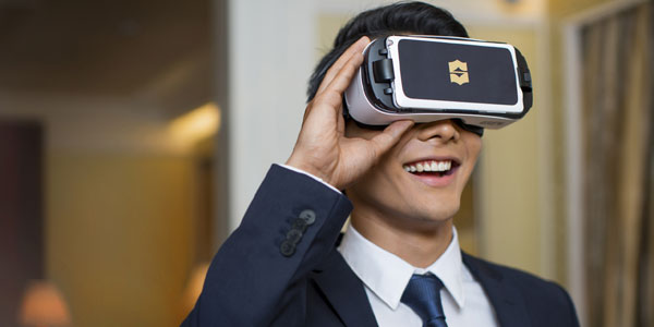 A-gentleman-viewing-on-a-VR-headset