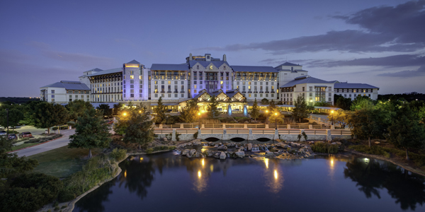 Gaylord Texan Resort at night 2-CNEW