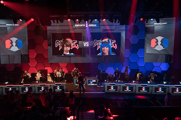 "The-anticipation-in-Esports-Arena-Las-Vegas-was-palpable-before-the-final-show-match-between-Dominique-""SonicFox""-McLean-and-Goichi-""Go1""-Kishida"