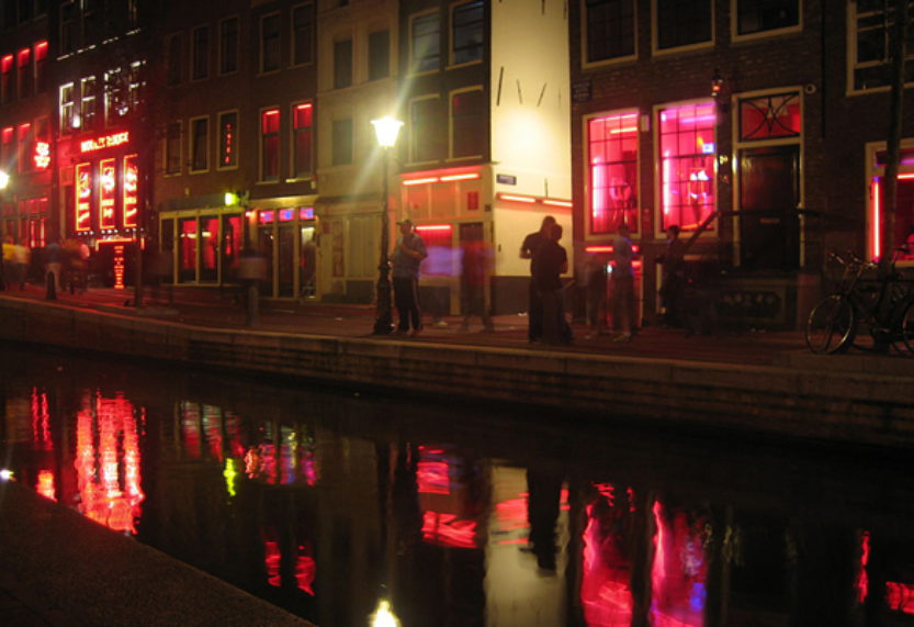 Amsterdam to ban guided tours of Red Light District