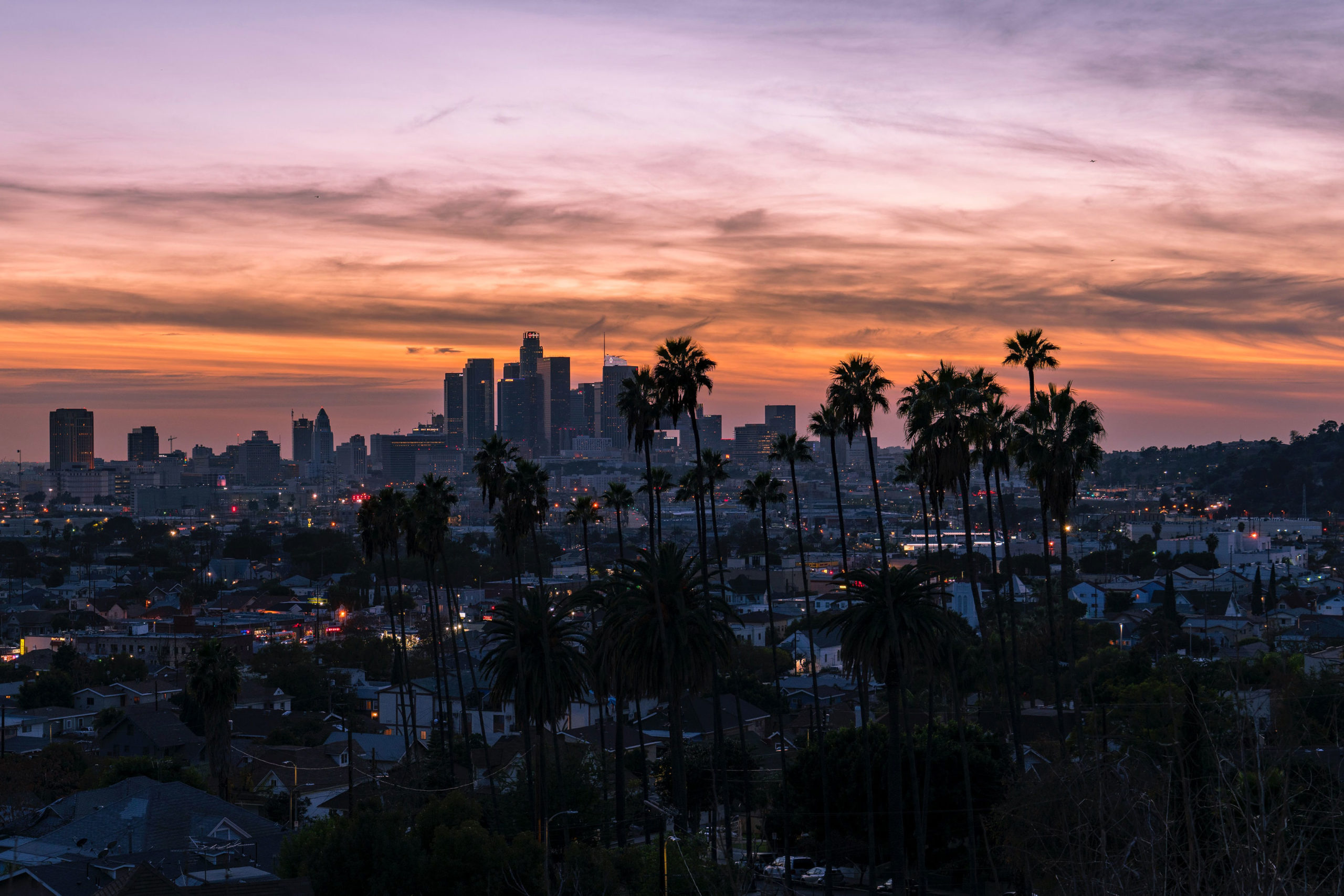 Los Angeles reopens meetings for under 300 people - CMW